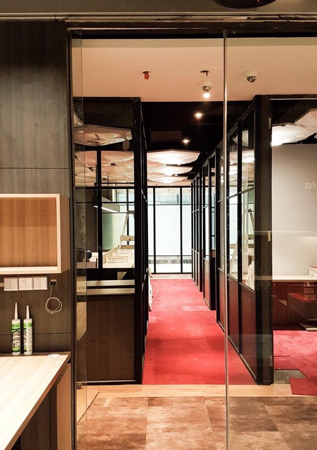 ES 80 : Office Room di SCBD Jakarta